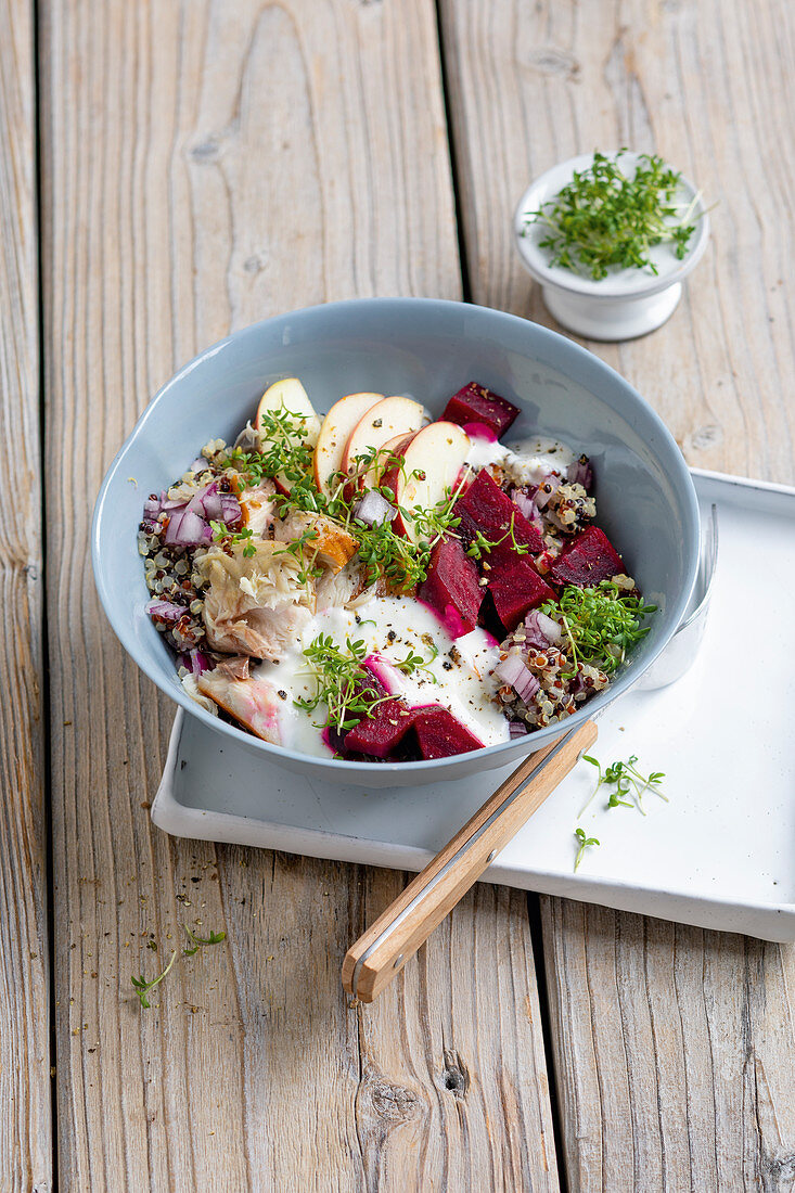 Quinoa bowl with smoked mackerel, beetroot and apple