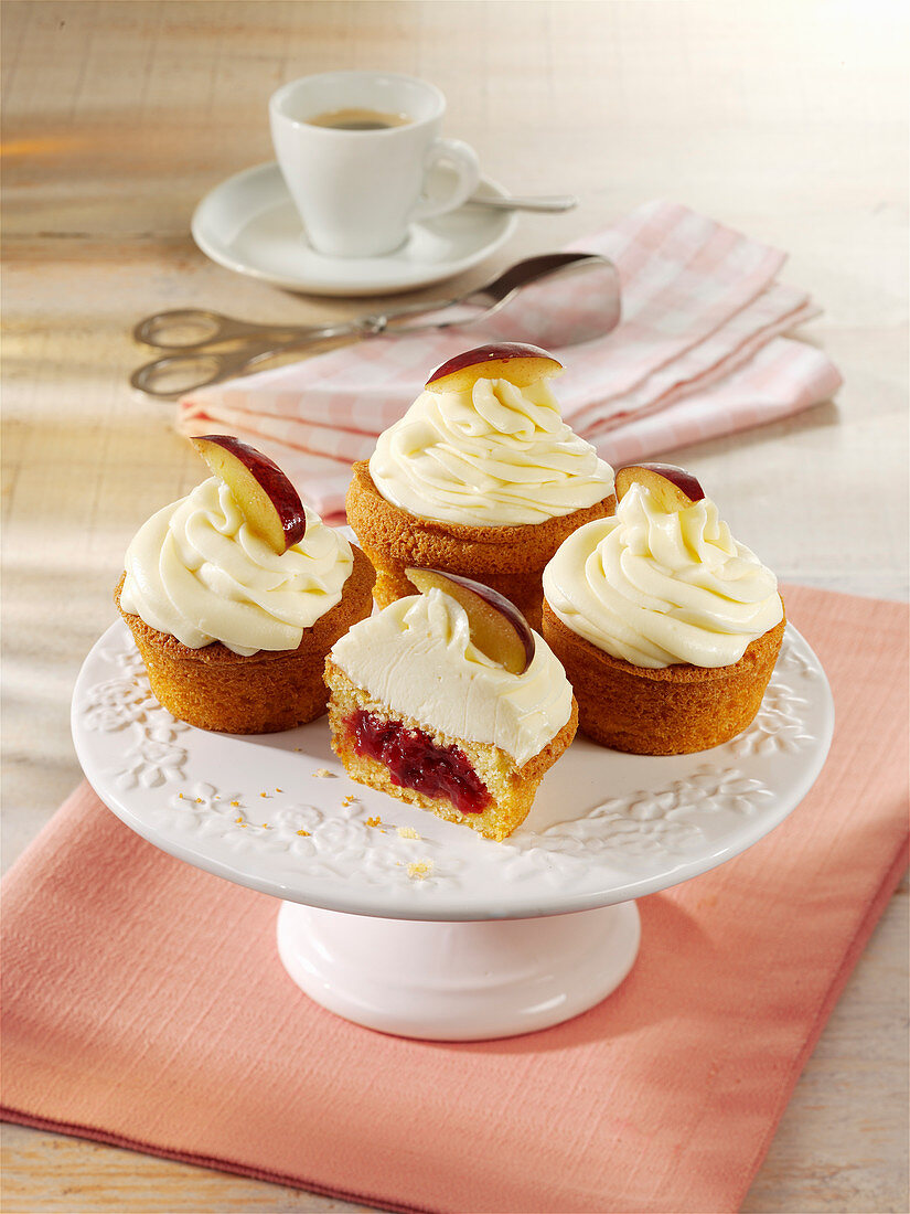 Pflaumen-Cupcakes mit Mascarpone
