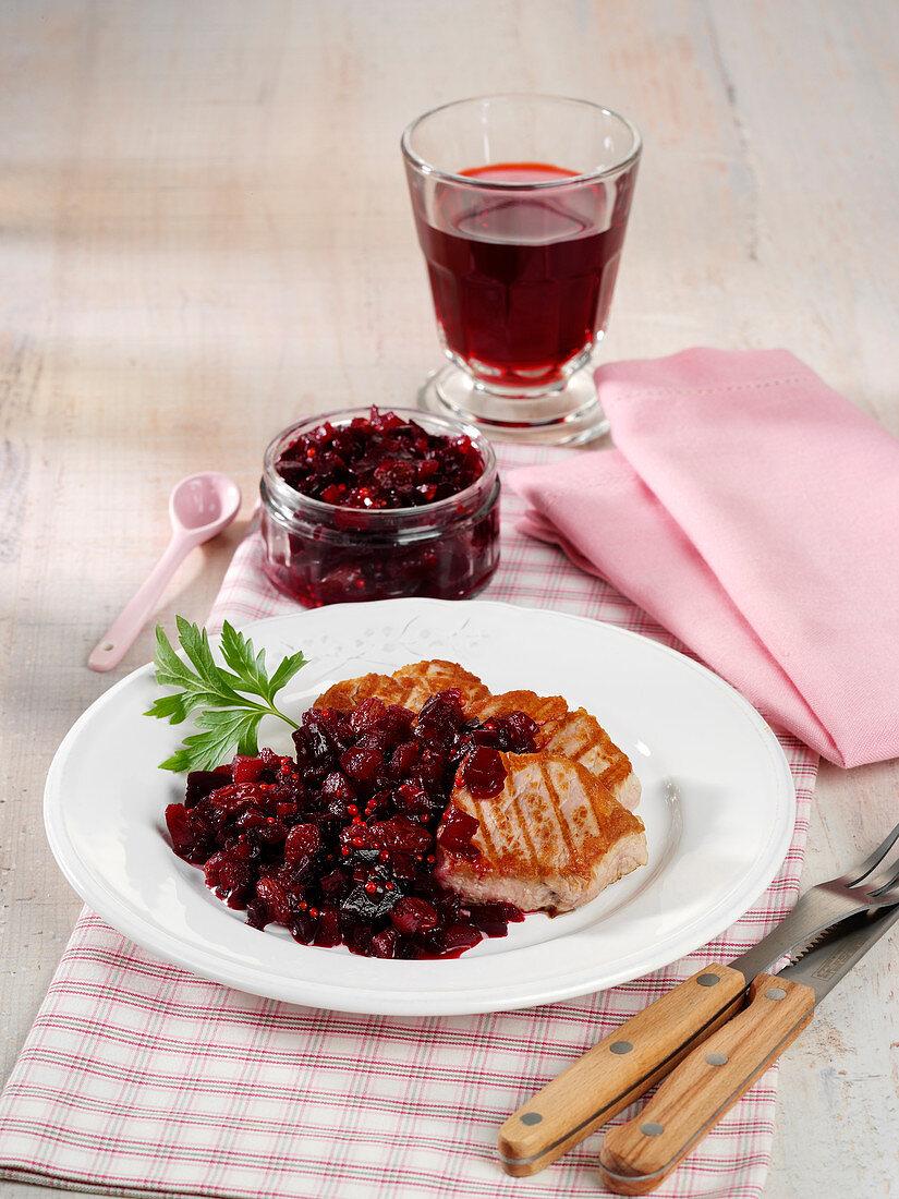 Apple and beetroot chutney
