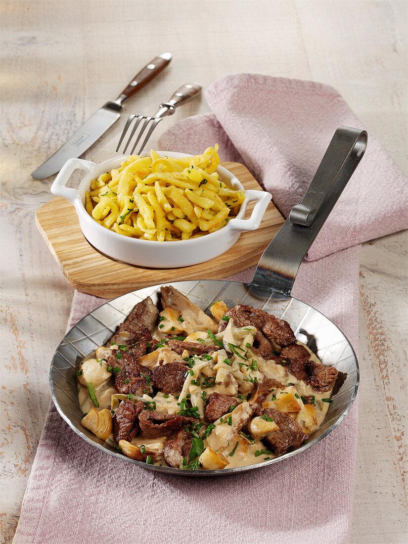 Steak cutlet à la Stroganoff