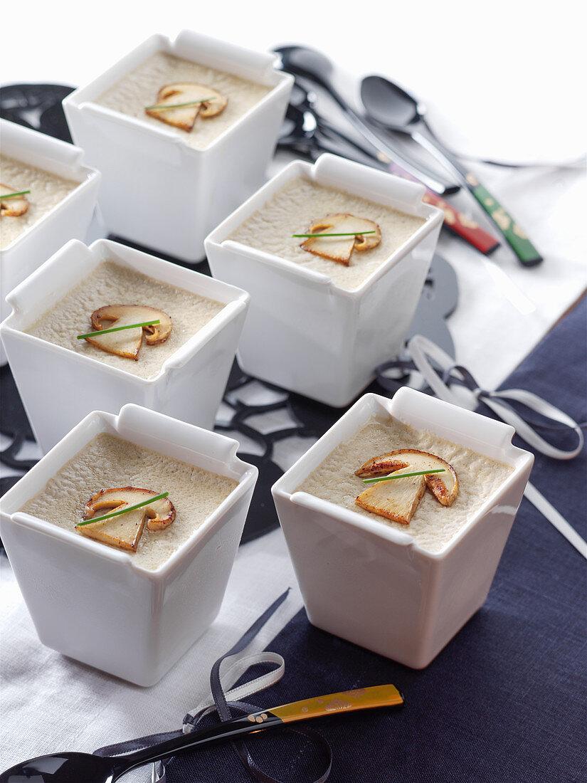 Cream of button mushroom sauce