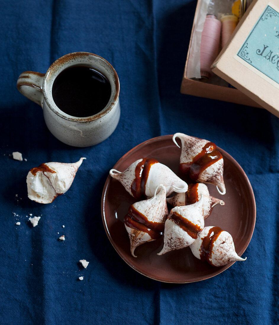 Pavlova drops with coffee caramel