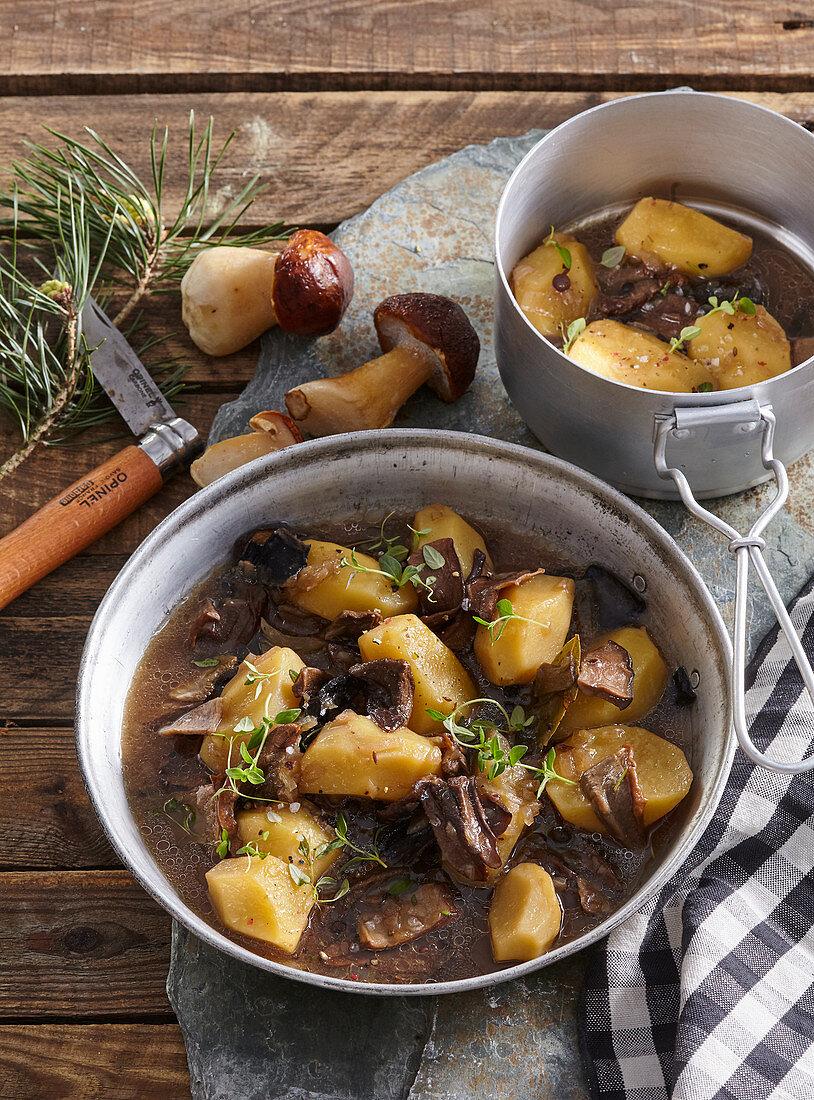 Mushroom goulash with potatoes