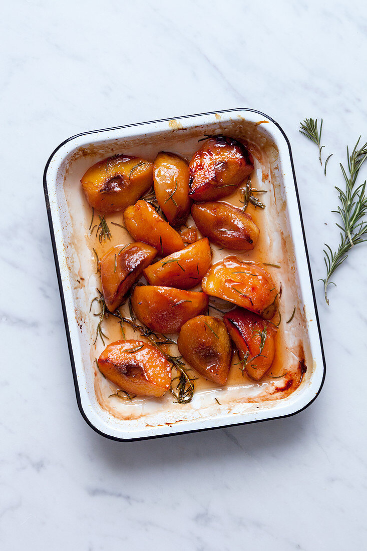 Candied quinces with rosemary