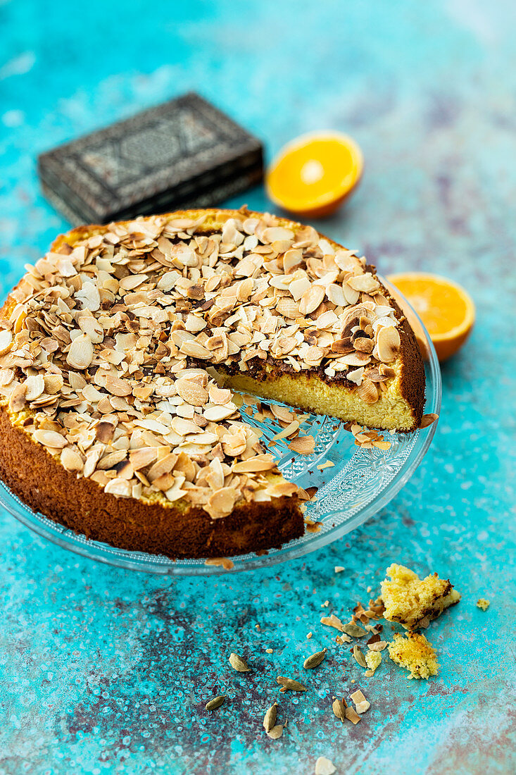 Indian orange cake with cardamom and almonds (flour-free)