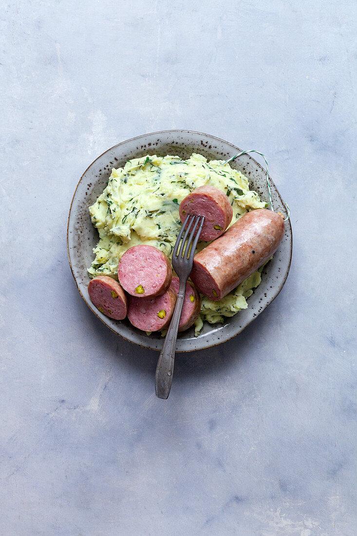 Lyon sausage with mashed potatoes