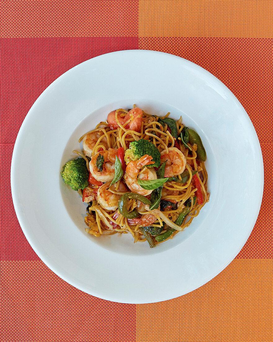 Thai spaghetti Kee Mao Goong