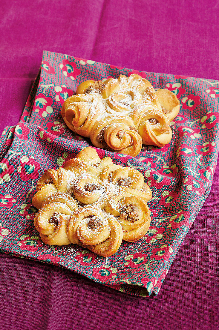 Celtic brioche with a nut filling
