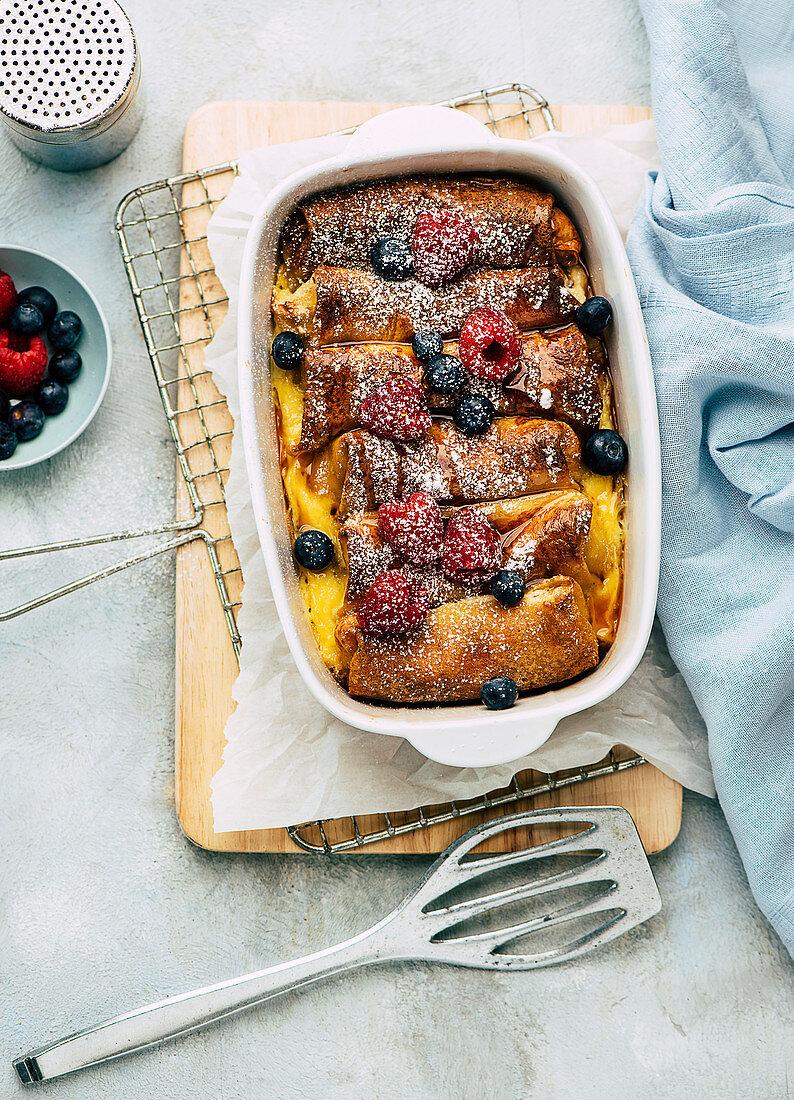 Sweet pancake bake with berries