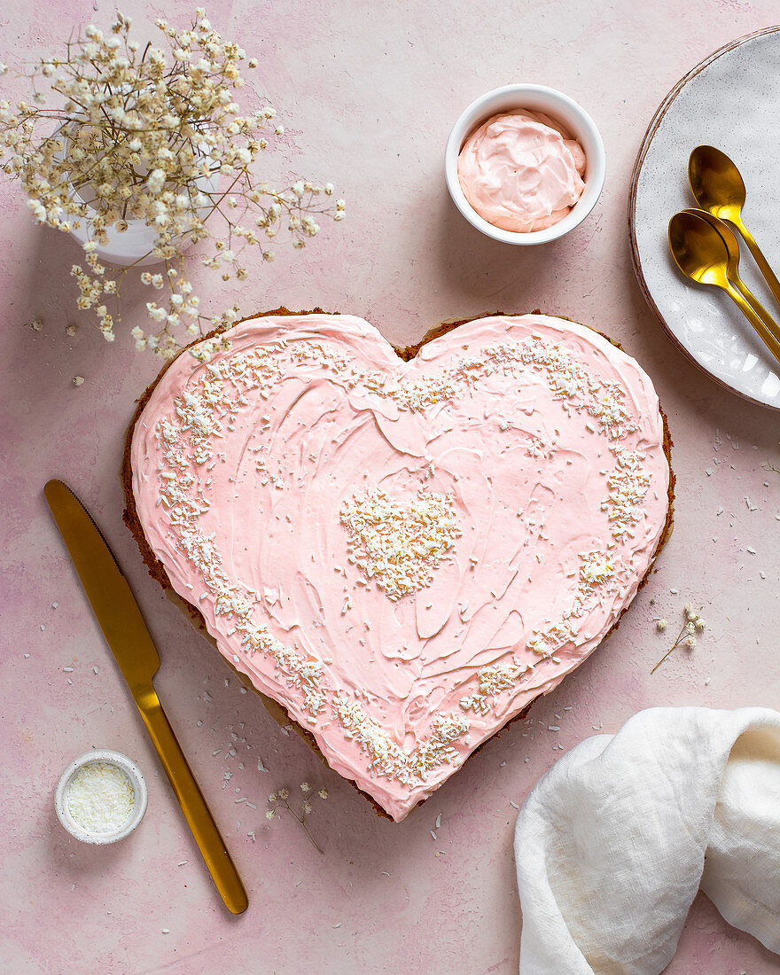Pink heart cake for Valentine's Day