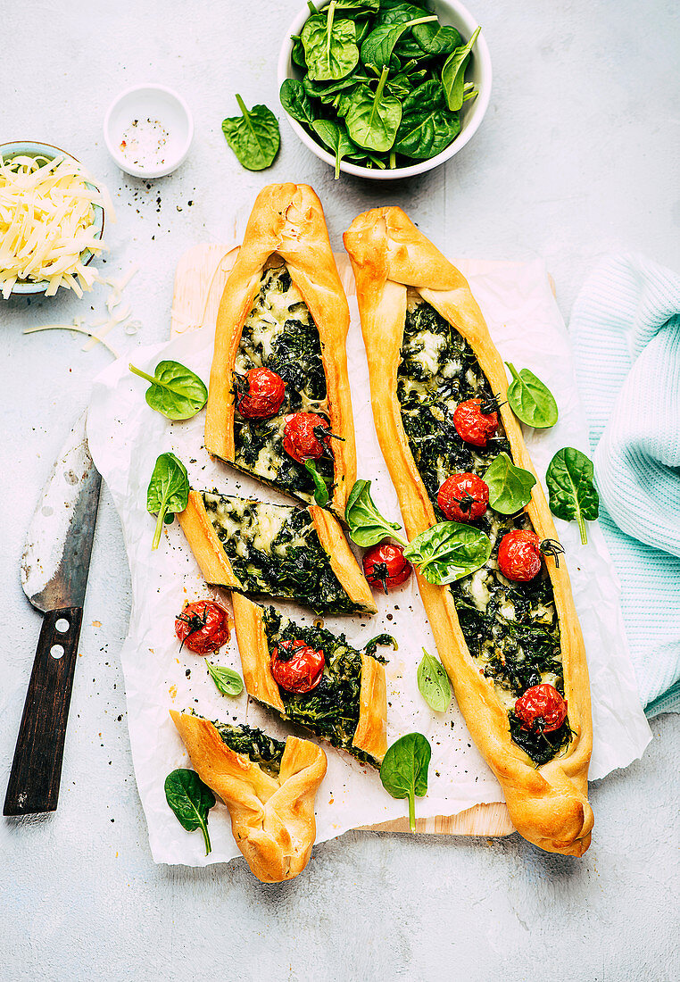 Pide with spinach and cheese