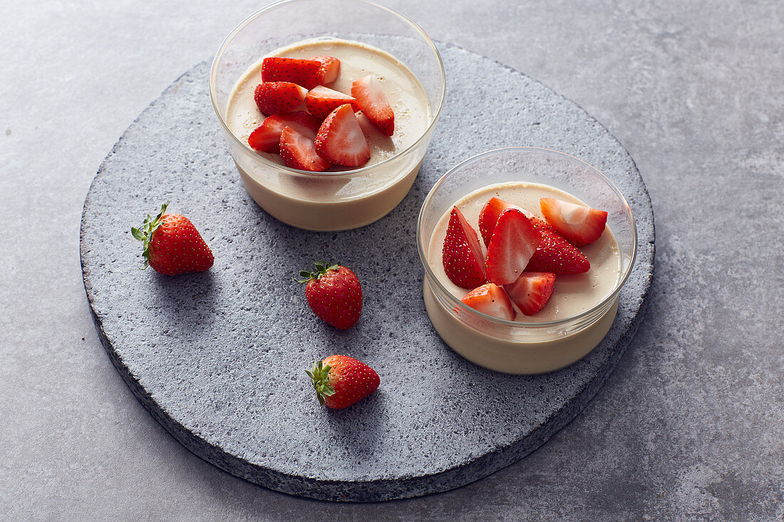 Coconut cotta with strawberries