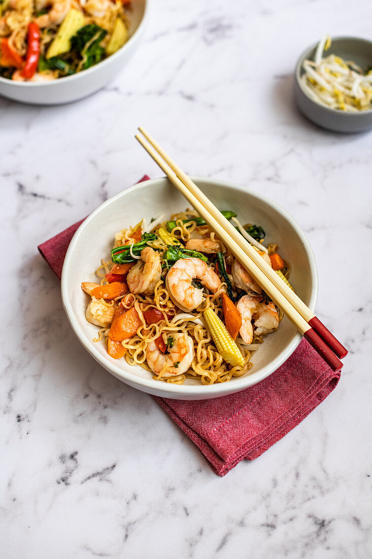 Prawn Chow Mein with Ramen Noodles
