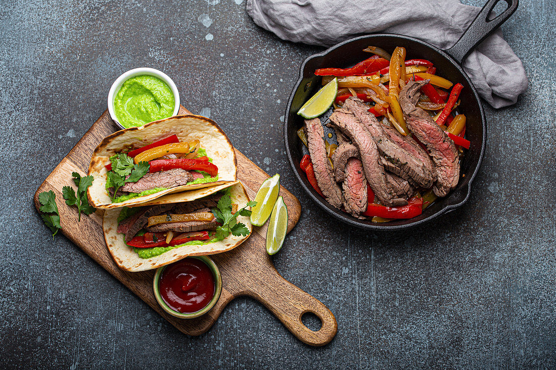 Mexican beef fajita tacos with bell peppers