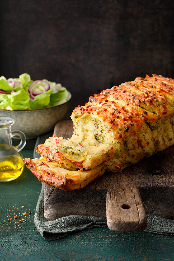 Potato pull apart bread with ham and cheese