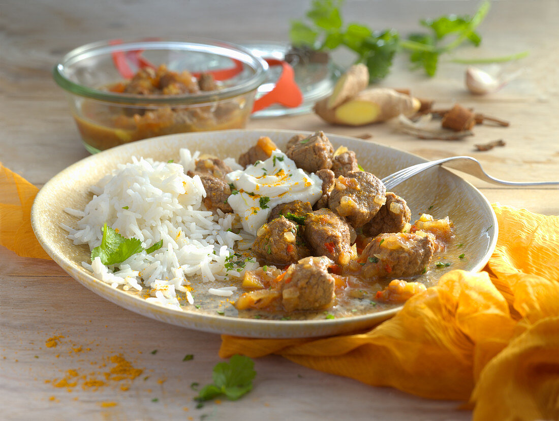 Indian curry with rice