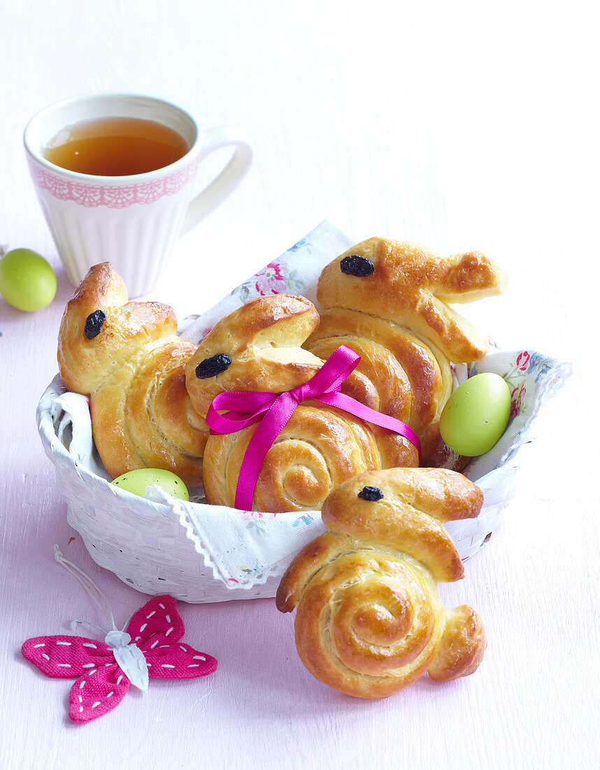 Easter rolls in the shape of bunnies