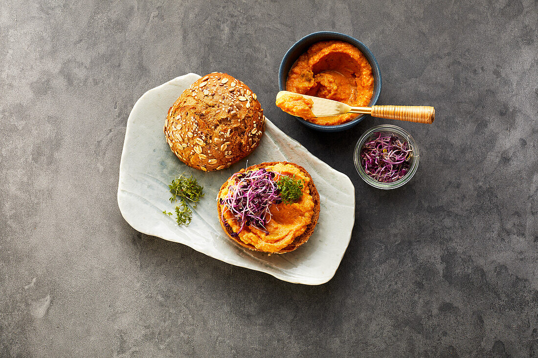 Rolls with carrot hummus