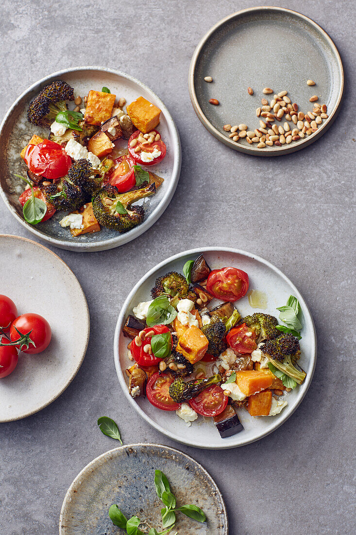 Sweet potatoes with vegetables and feta