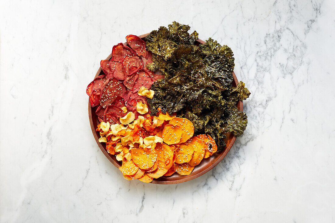 Vegetable chips with sesame