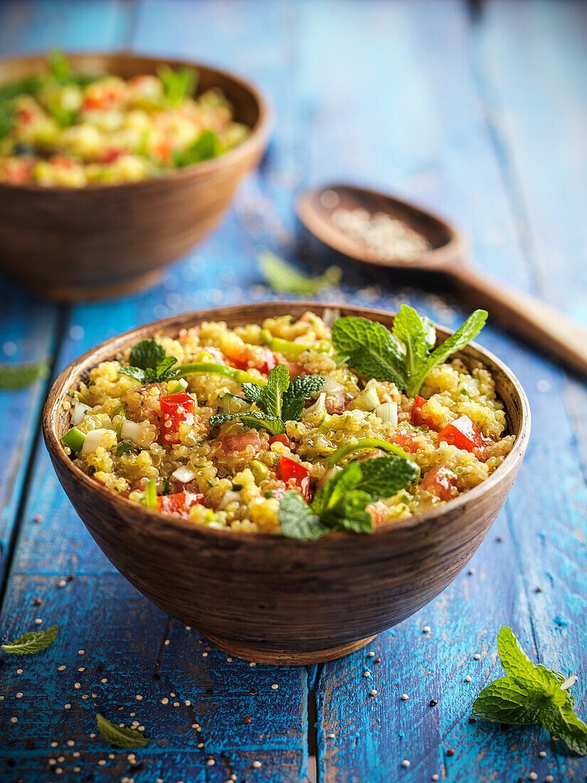 Quinoa salad with peppers and mint