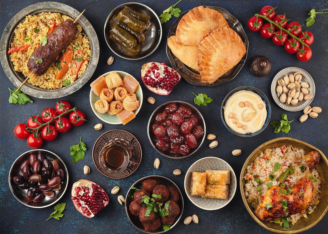 Kareem Iftar Buffet zum Ramadan mit verschiedenen arabischen Gerichten