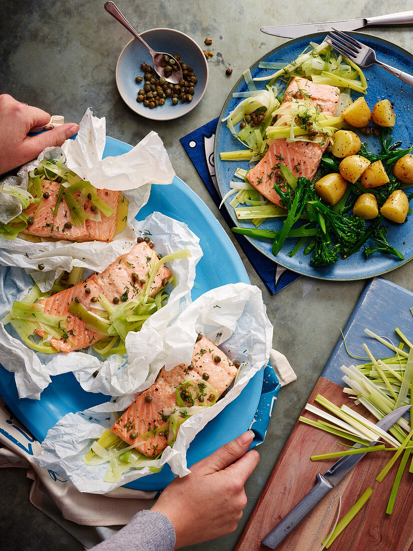 Salmon with leek and herbs in parchment paper