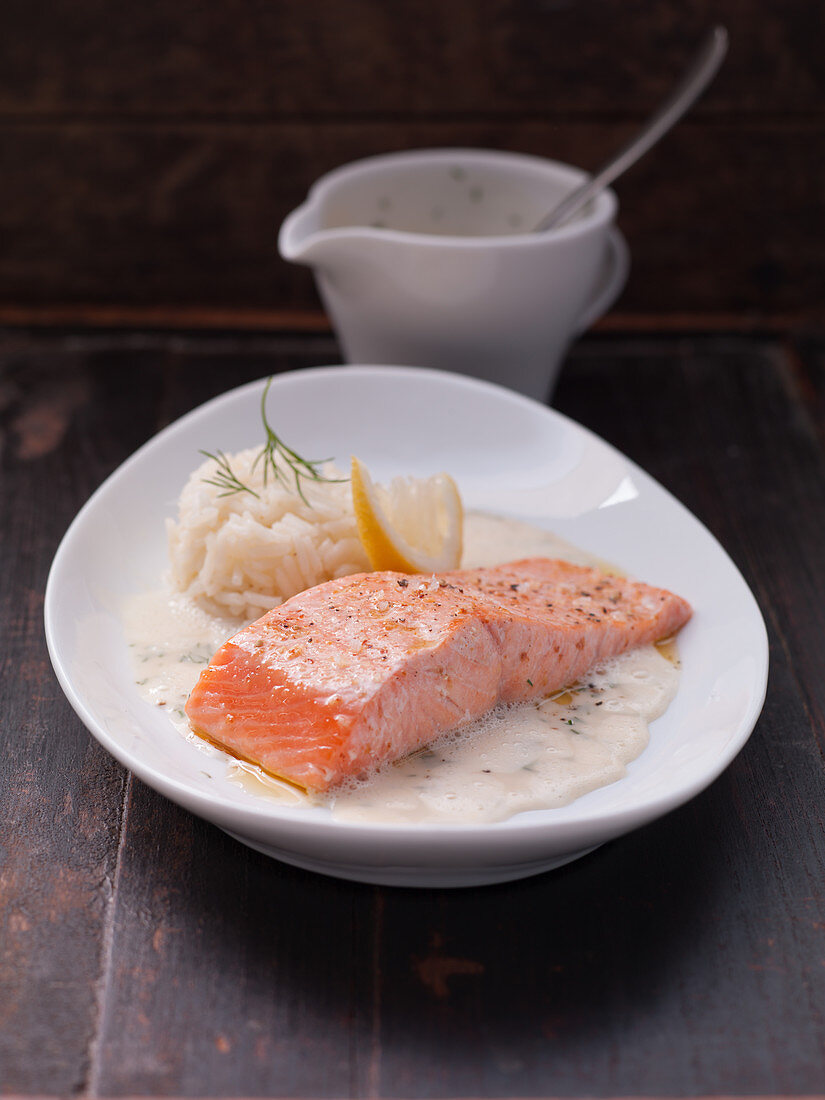 Salmon in dill sauce with rice