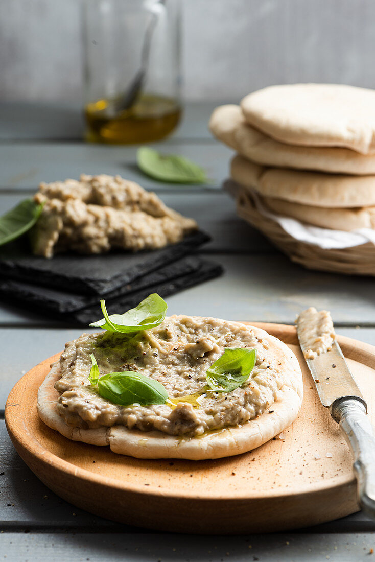 Baba ghanoush with pita bread