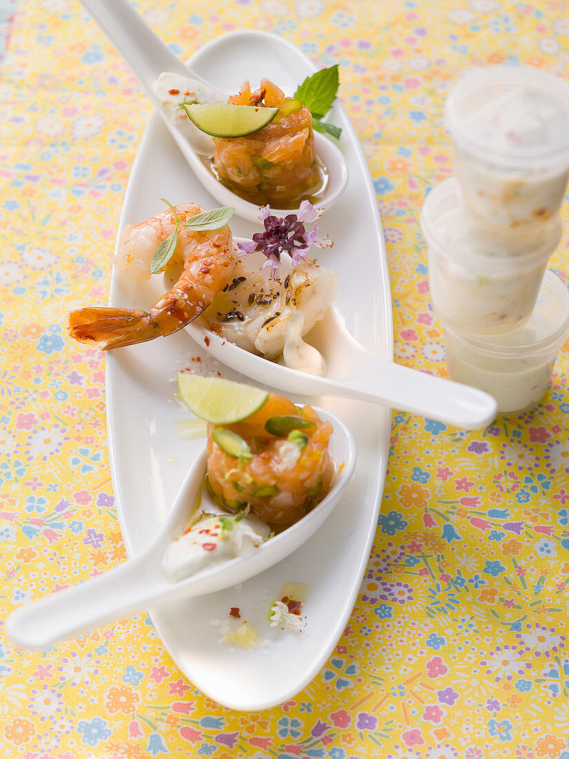 Happy spoons (teaspoons) with tartare and shrimp