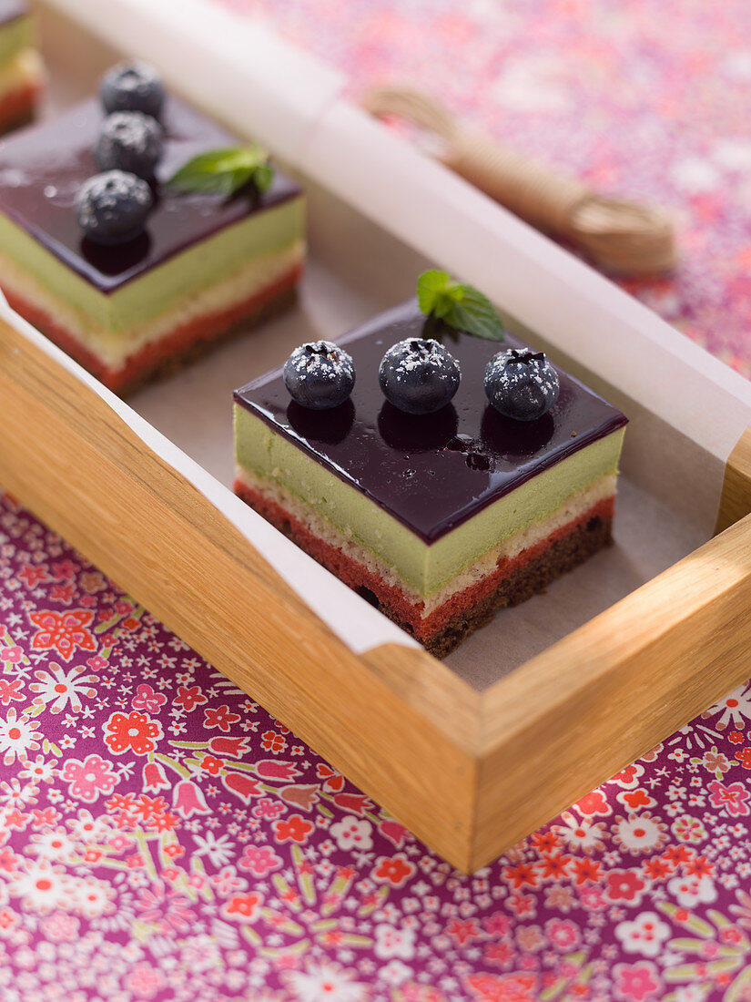 Layered cake with blueberries
