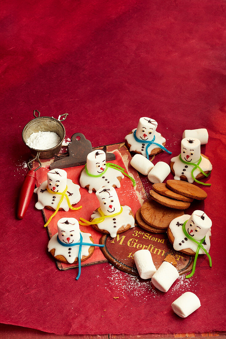 Melted Snowman cookie wiht marshmallow