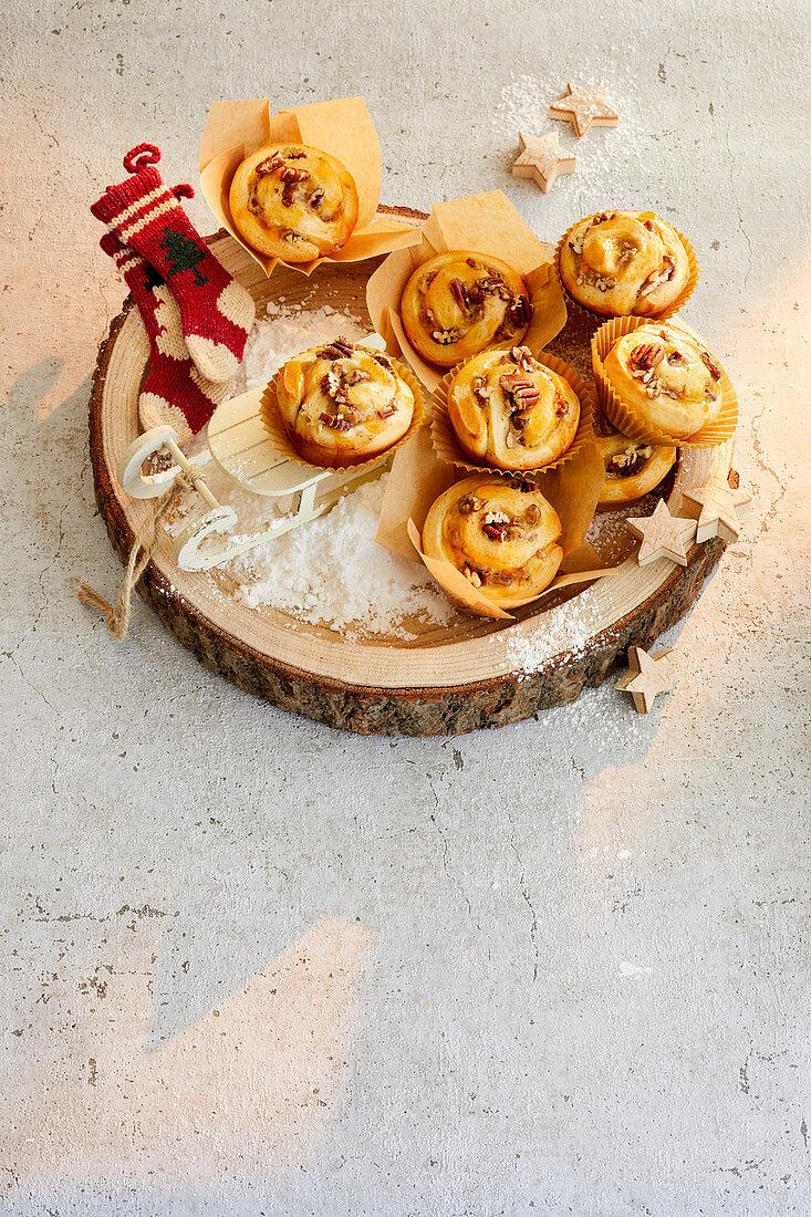 Vanilla pecan rolls