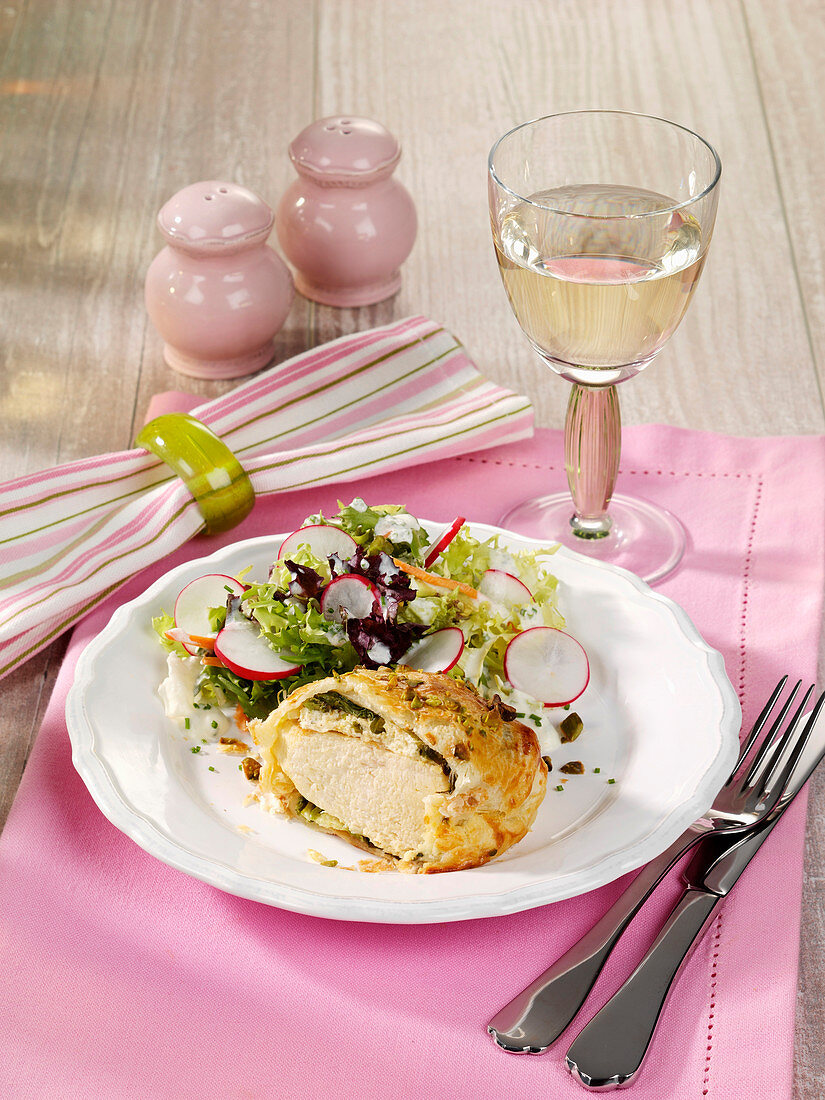 Chicken with pistachios in puff pastry