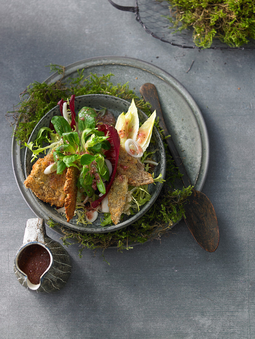 Autumnal salad with baked parasol mushrooms