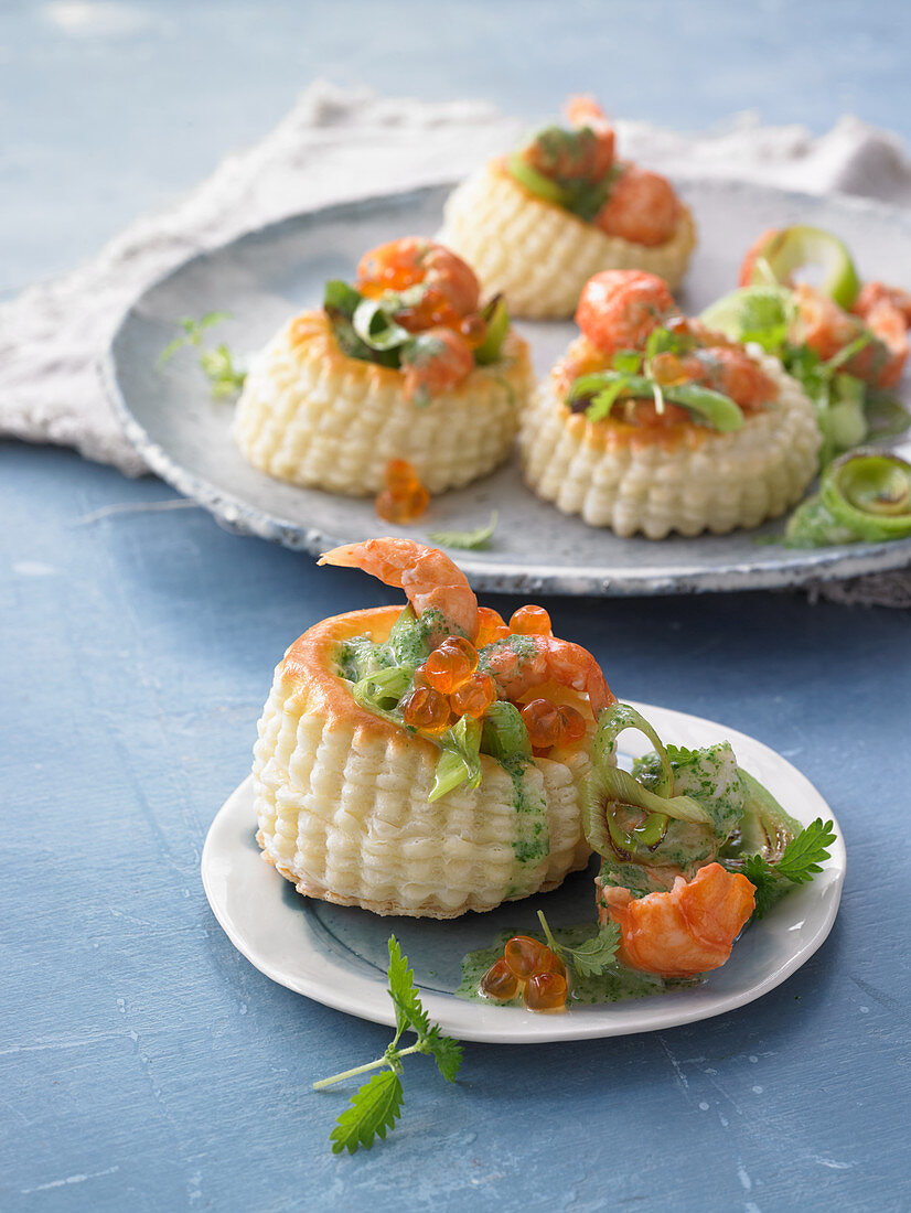 Vol au vents filled with crayfish in a nettle sauce with keta caviar