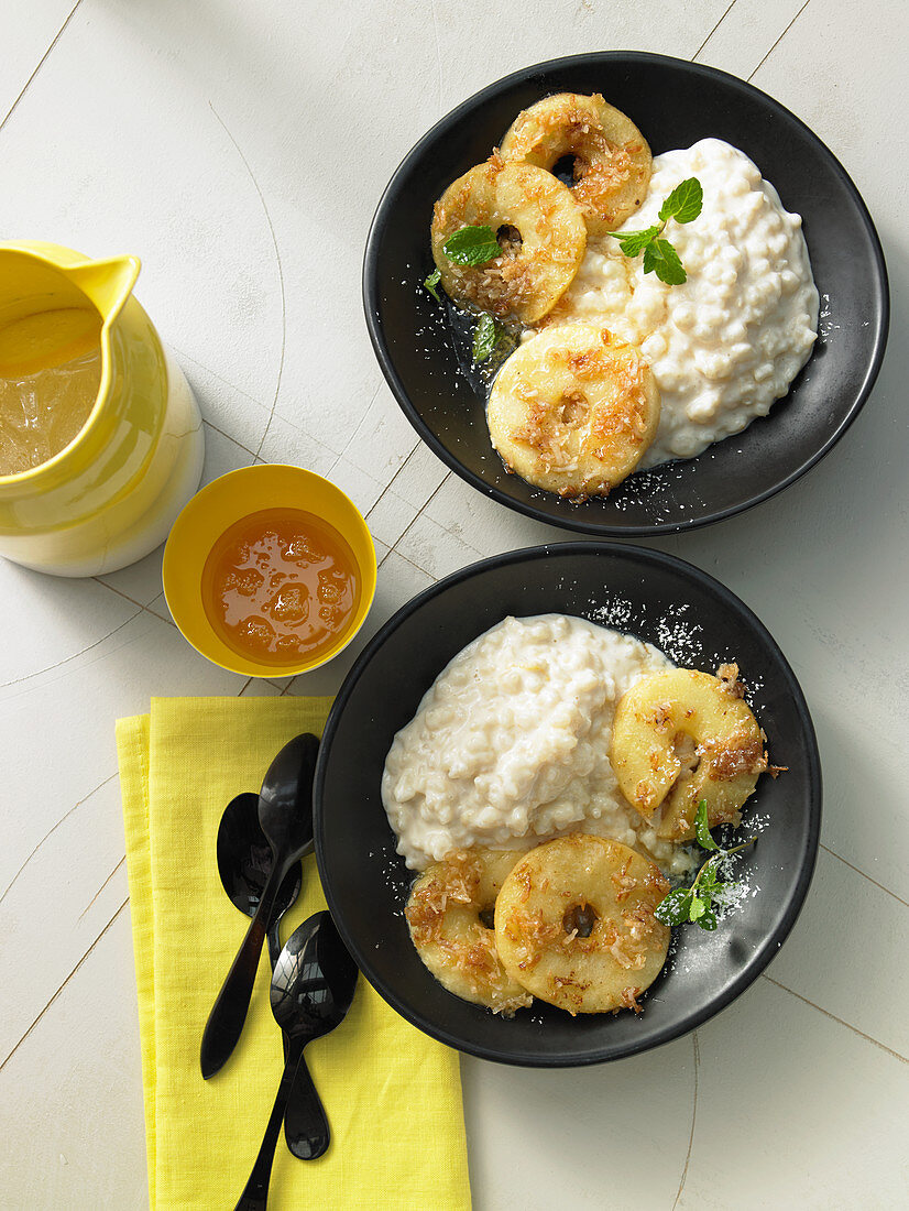Honey and lemon rice pudding with coconut apples