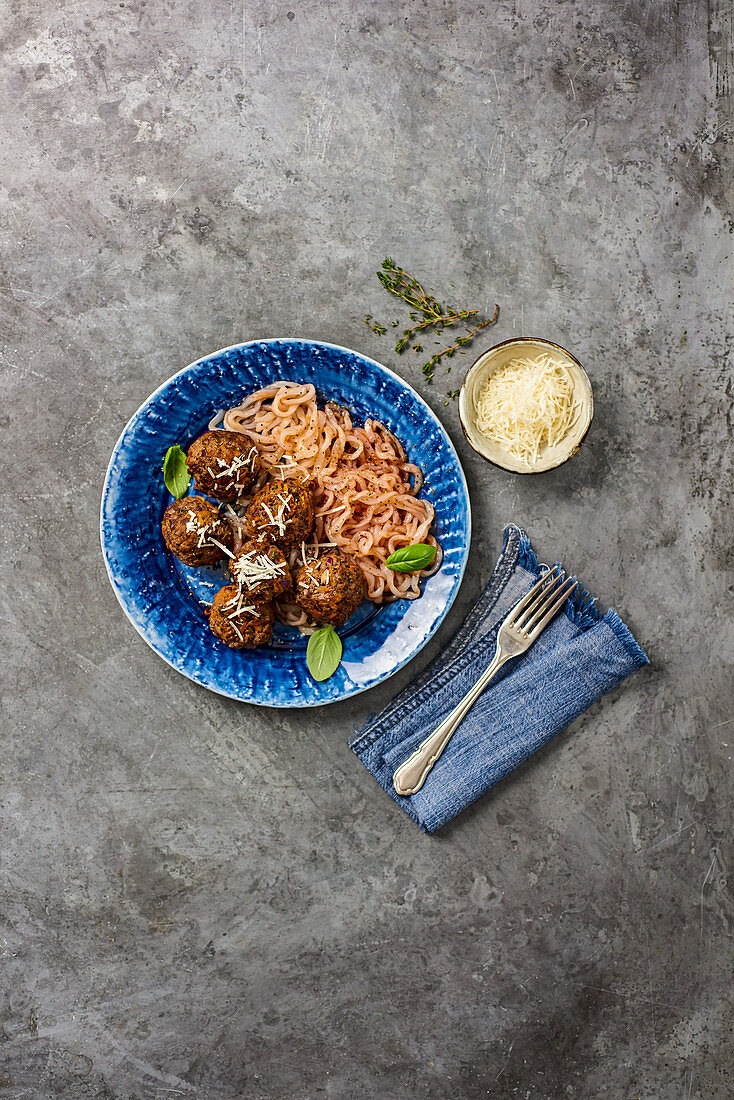 Beef and Red Onion Meatballs Spaghetti