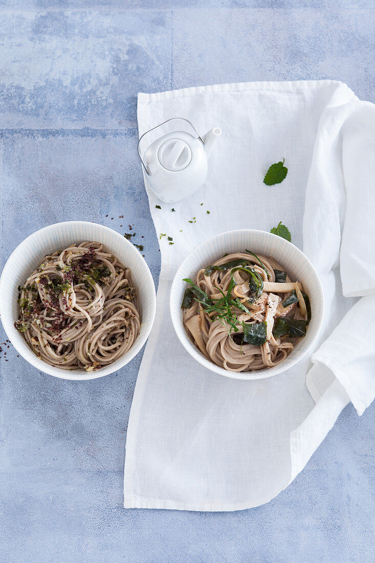 Soba noodles with algae pesto