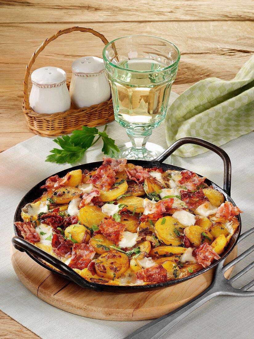 Speck-Frittata mit Mozzarella vom Grill