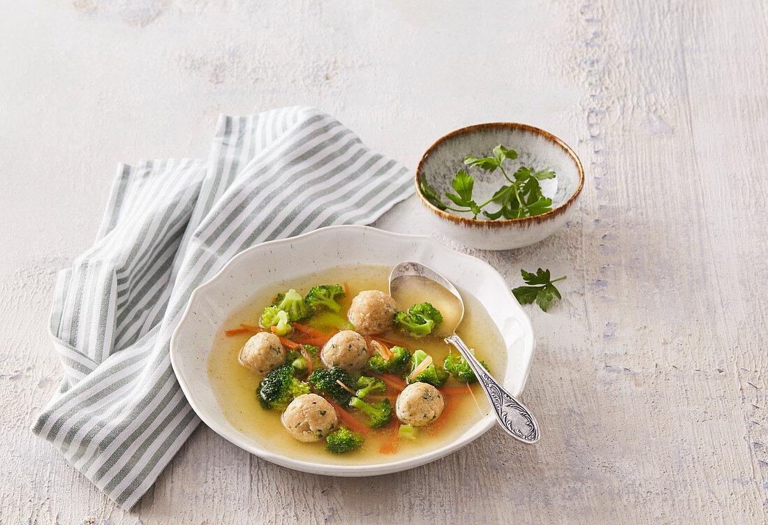 Vegetable soup with yeast dumplings