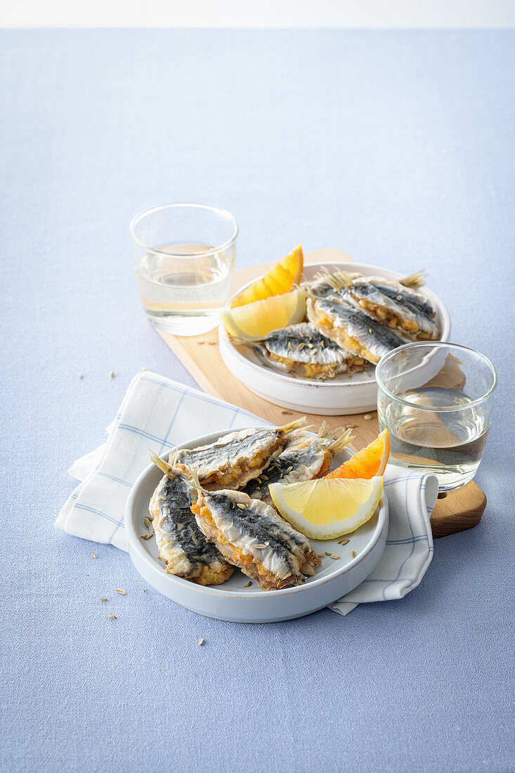 Stuffed sardines with cheese and breadcrumbs