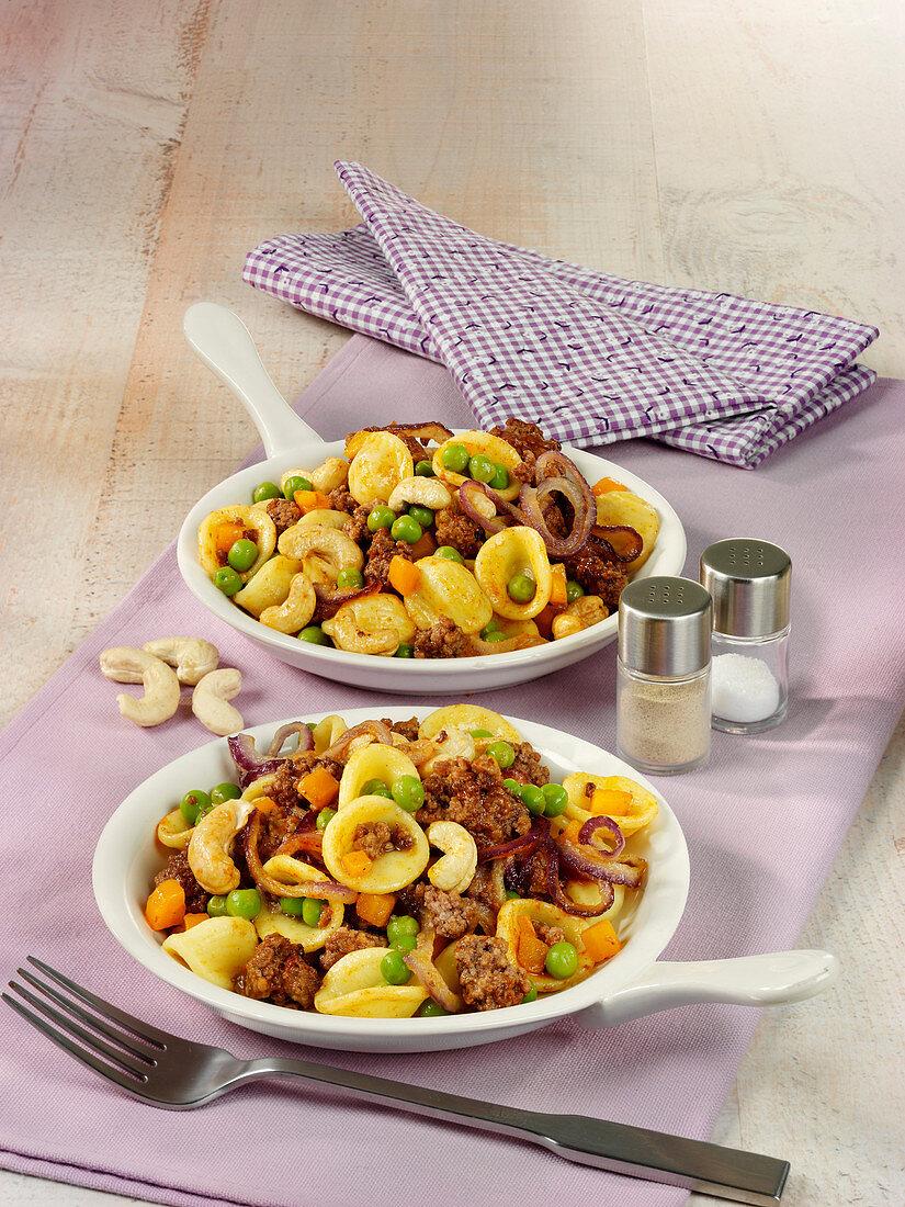 Warm minced meat noodle salad