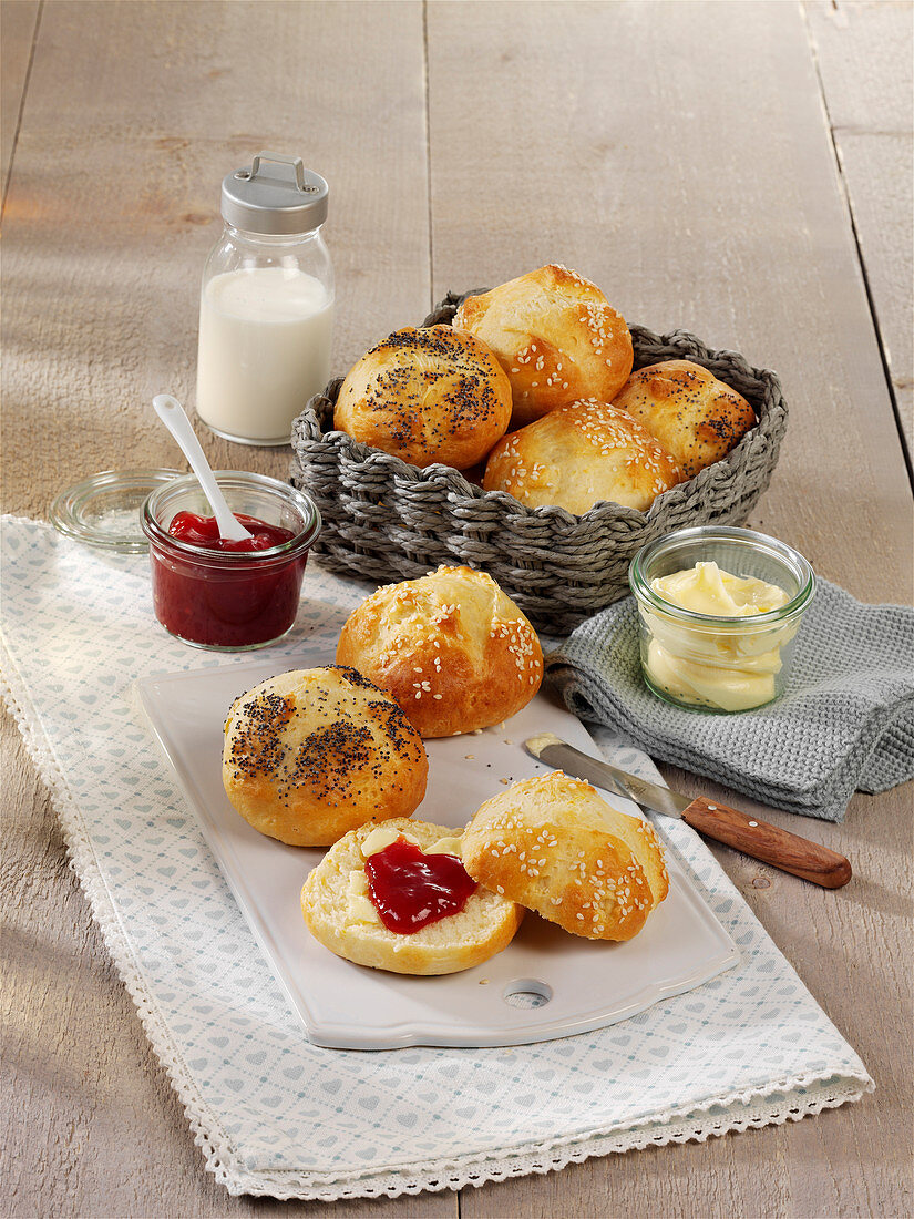 Fast bread rolls made from flour and quark