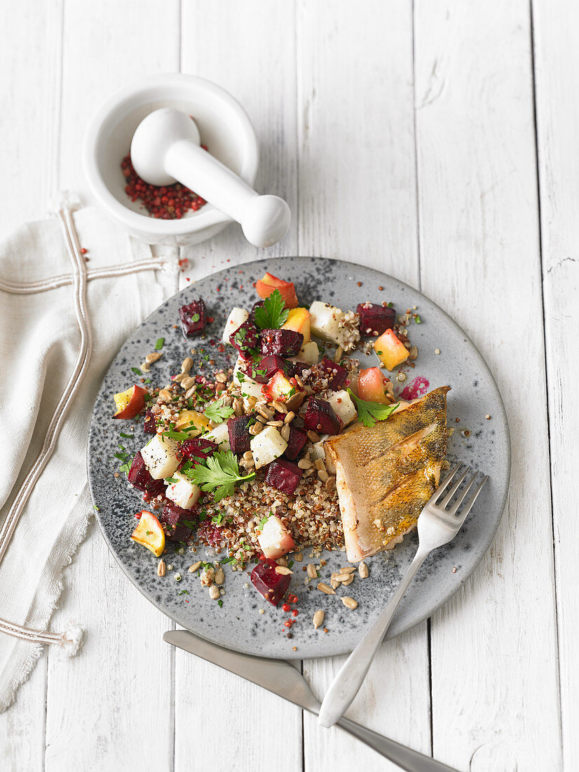 Pikeperch fillet on quinoa with beetroot