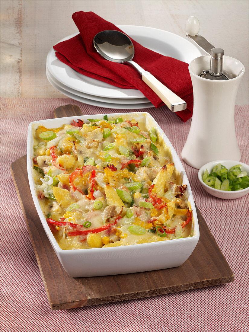 Schupfnudel-Auflauf mit Schinken, Champignons, Mais und Paprika