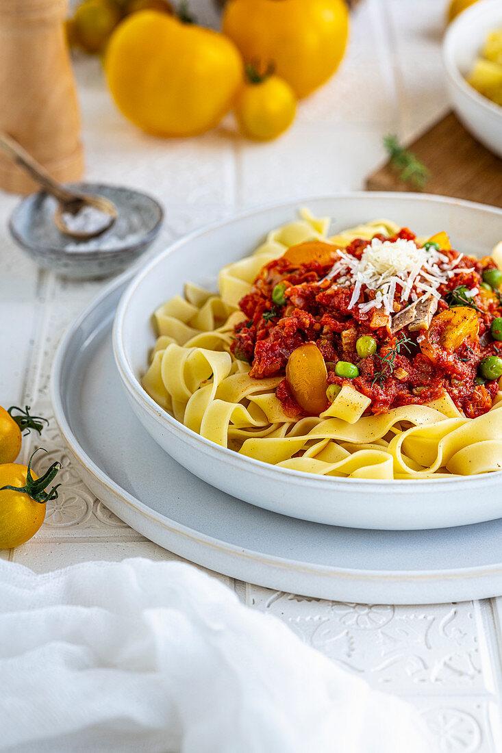 Tagliatelle al tonno - Summer tuna pasta