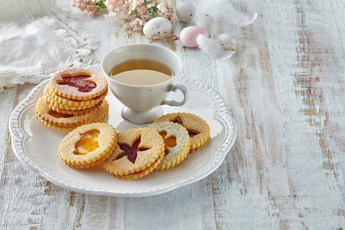 Easter cookies with jam