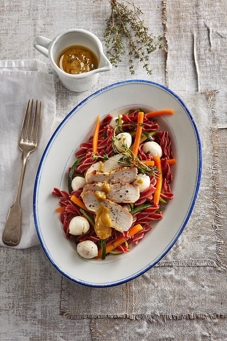 Light pasta salad with honey chicken