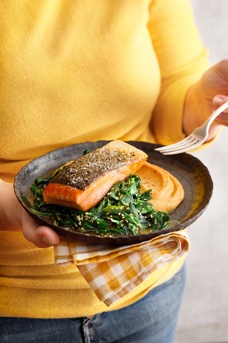 Salmon fillet with sesame seed spinach and miso and parsnip purée
